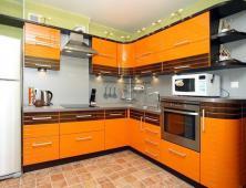 Кухня эмаль Оливия Line с вставками из шпона