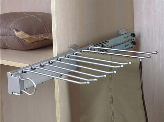 Выдвижная вешалка для брюк
